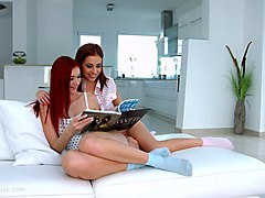antonia sainz and kattie gold in entertainment lesbian scene